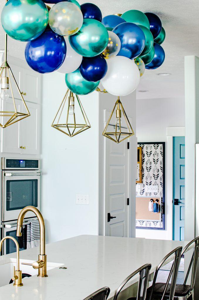 balloon garland in kitchen